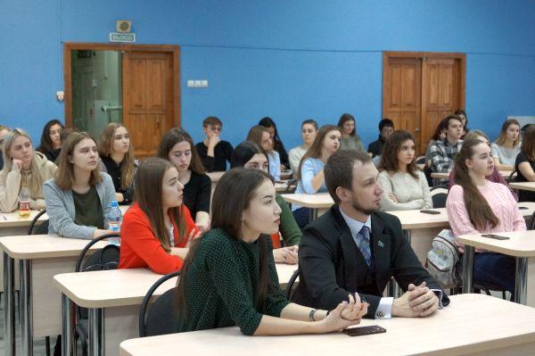 Круглый стол «Суверенный Казахстан: основные вехи развития, итоги и проблемы»